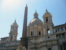 在纳沃纳广场,罗马,意大利的埃及方尖碑 免版税库存照片