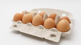 在纸包裹的多个鸡蛋 免版税库存图片