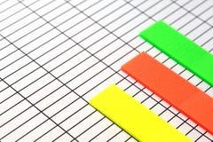 在纸的五颜六色的图表 免版税库存图片