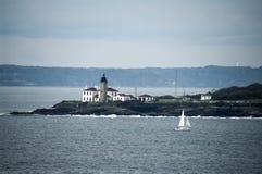 在纽波特罗德岛州附近的灯塔 库存图片