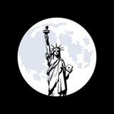 在纽约和月亮的自由女神像 库存图片