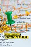在纽约地图的图钉 免版税库存照片