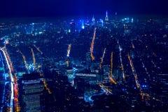 在纽约的鸟瞰图在晚上 免版税库存照片