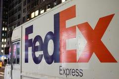 在纽约看见的全世界传讯者送货卡车 免版税库存照片