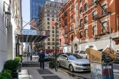 在纽约街道上的人们  免版税库存图片