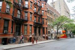 在纽约街道上的人们  库存照片