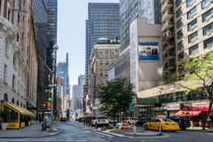 在纽约街道上的出租汽车  图库摄影
