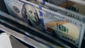 在线机器检查美元钞票真实性,移动他们 影视素材