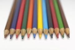 在线的五颜六色的铅笔 免版税库存照片