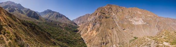 在线索全景射击的Colca峡谷 免版税库存图片