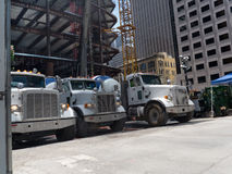 在线释放的水泥卡车 免版税库存图片