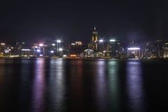 在维多利亚港的晚上 库存图片