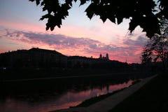 在维尔纽斯之下的秋天天空 免版税库存照片
