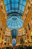 在维托里奥Emanuele II画廊的内部在圣诞节时间 免版税库存图片
