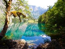 在绿松石湖的美丽的景色在德国阿尔卑斯 库存图片