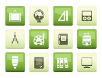 在绿色背景的学校和教育象 免版税库存照片
