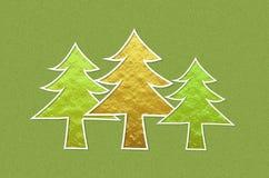 在绿色金属闪烁背景的圣诞树 免版税库存图片