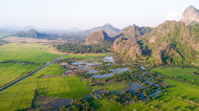 在缅甸的山风景 免版税库存照片