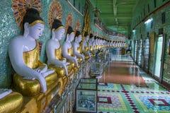 在缅甸的Umin Thounzeh寺庙 免版税库存图片