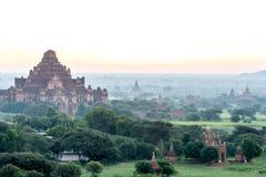 在缅甸2014年11月的Bagan日落 免版税图库摄影