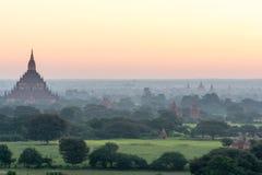 在缅甸2014年11月的Bagan日落 图库摄影