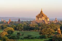 在缅甸2014年11月的Bagan日落 免版税库存图片