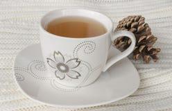 在编织投掷的秋天茶 库存图片