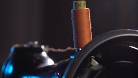 在缝纫机的勾子螺纹 股票视频