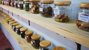 在罐的种类从烹调的泰国 免版税库存照片