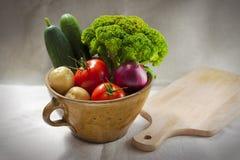 在罐的蔬菜 免版税库存图片