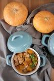 在罐的被烘烤的南瓜 图库摄影