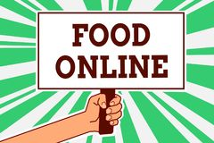 在网上显示食物的文字笔记 使用电话app或网站人手holdin,企业照片陈列的请求某事吃 免版税库存照片