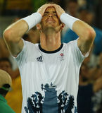 在网球人` s选拔里约2016年奥运会的决赛后,大英国的奥林匹克冠军安迪・穆雷庆祝胜利 库存照片