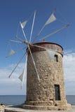在罗得岛海岛的老风车  免版税库存照片