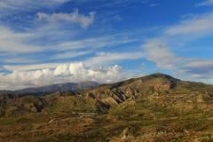 在罗得岛(希腊)的山 免版税库存图片