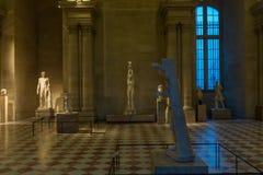 在罗浮宫巴黎法国的古老雕象 库存图片