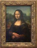 在罗浮宫的蒙娜丽莎帆布在巴黎 免版税库存图片