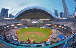 在罗渣士中心的棒球在街市Torontop 免版税库存图片