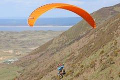 在罗西里的滑翔伞 免版税库存图片