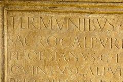 在罗马上写字 库存图片