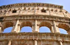 在罗马之外的colosseum详细资料 免版税库存照片