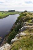 在罗马墙壁上的Cragg港湾 诺森伯兰角,英国 库存图片