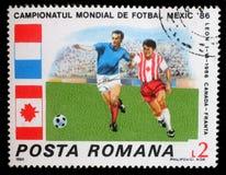 在罗马尼亚打印的邮票显示橄榄球世界杯,墨西哥 图库摄影