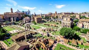 在罗马广场的全景,罗马,意大利 免版税图库摄影