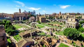 在罗马广场的全景,罗马,意大利 免版税库存图片