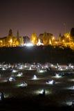 在罗马废墟的脚的发光的球 免版税图库摄影