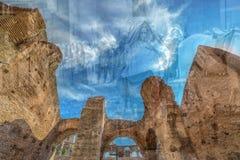 在罗马斗兽场里面的两次曝光视图,罗马,意大利 免版税库存图片