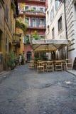 在罗马胡同的咖啡馆 库存图片