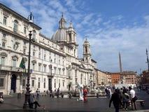 在罗马街道上的表现笑剧  免版税库存照片