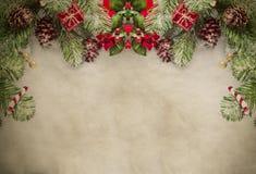 在羊皮纸的圣诞节边界 库存照片